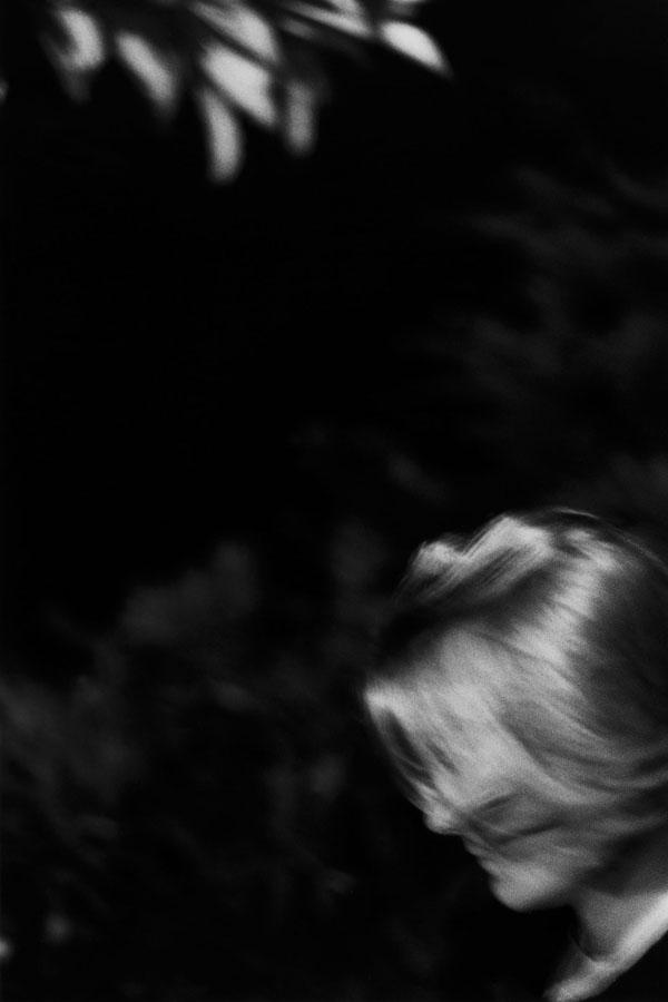 Noir-Vertical-001