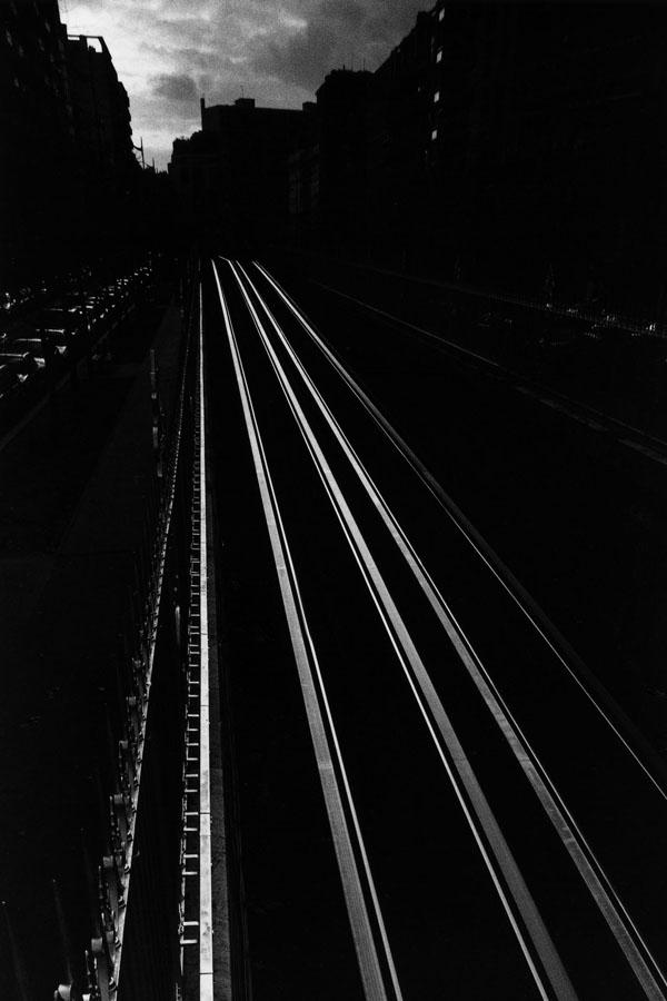 Noir-Vertical-005