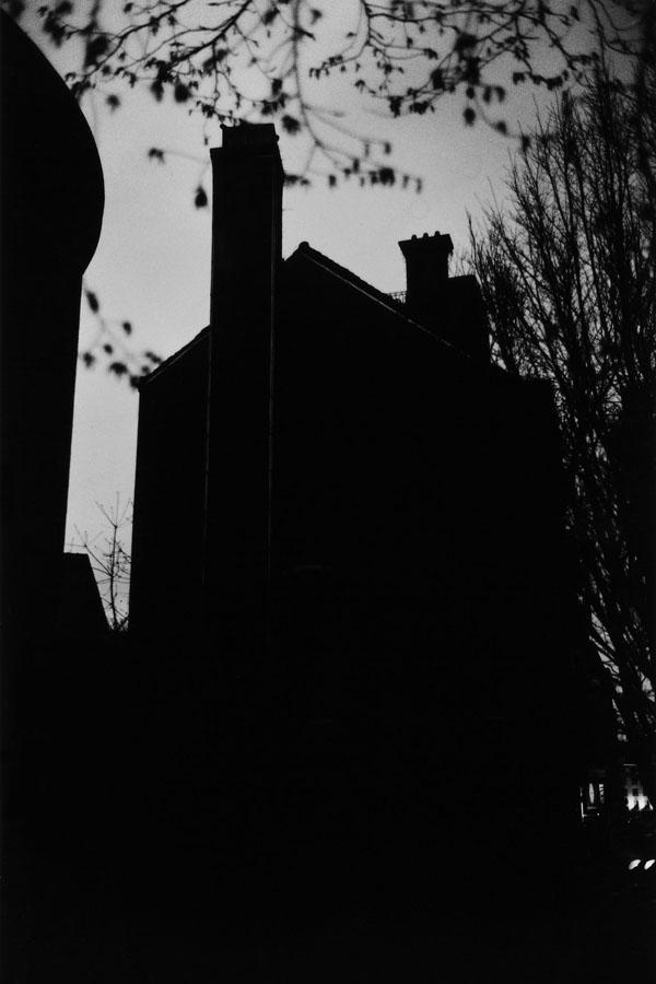 Noir-Vertical-008