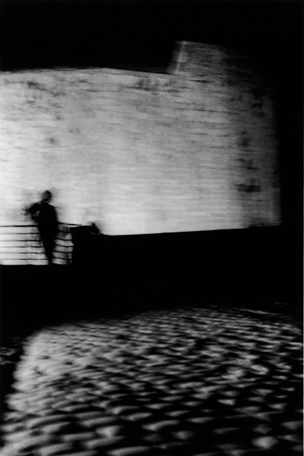 Noir-Vertical-012