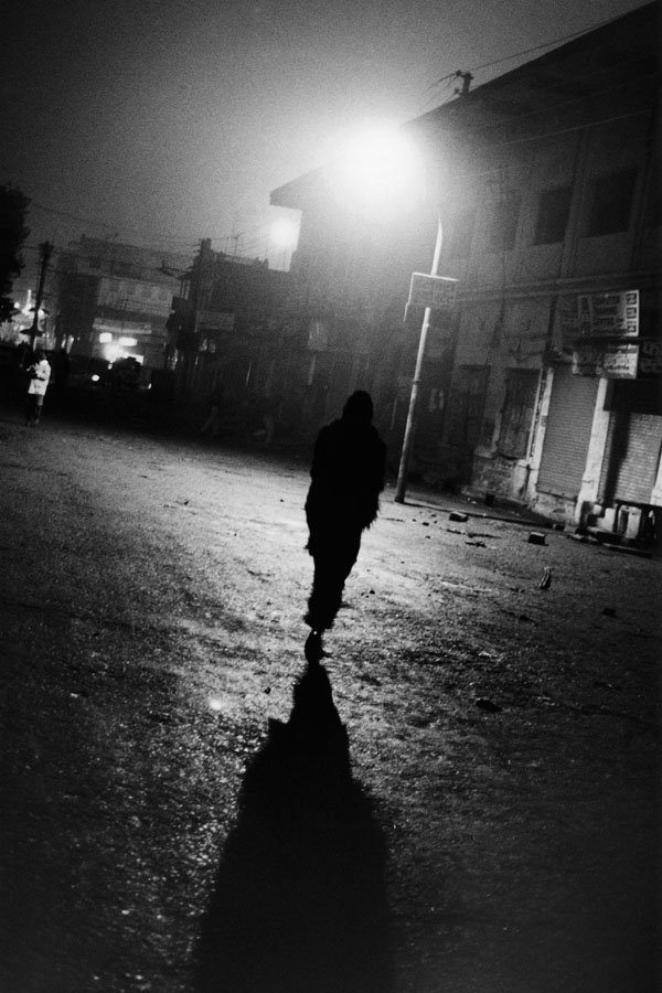 Noir-Vertical-034